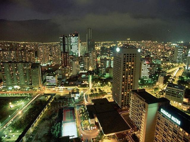 at_night_caracas.jpg